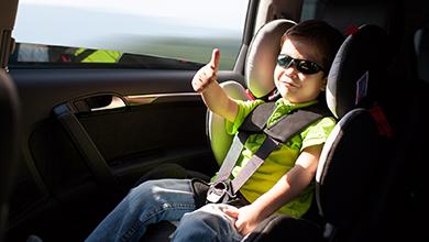 <span style='font-size: 10pt; font-family: 'Arial','sans-serif'; color: black; background: none repeat scroll 0% 0% rgb(250, 250, 250); font-weight: bold;'>Siège auto à bord pour la sécurité de votre enfant</span>